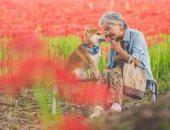 عجوز يابانية تعتزل الناس من أجل كلبها