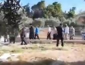 مستوطنون يهود يقتحمون منطقة باب الرحمة بالمسجد الأقصى.. فيديو