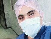 """الجيش الأبيض.. """"محمد"""" مهندس صيانة الأجهزة بمستشفى تمى الأمديد يواجه كورونا"""