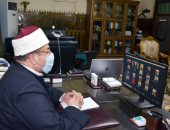 وزير الأوقاف يشرح ضوابط فتح المساجد لمديرى المديريات عبر الفيديو كونفرانس