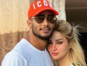 """محمد رمضان ينشر صورة رومانسية برفقة زوجته: """"مراتى وحبيبتى وشريكة حياتى"""""""