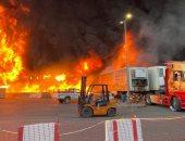 السعودية: أمير الجوف يتابع حريقا التهم  42 محلا فى سوق الخضار.. صور