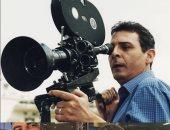 محمود حميدة يستعيد ذكرياته في التصوير بعد مغامرته تحت الرمال
