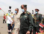 صور..البرهان يستقبل الرئيس الاريترى لدى وصوله للسودان فى زيارة تستغرق 3 أيام