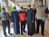 طبيب وممرض للكشف الطبى على الطلاب بامتحانات الأزهرية بالمنوفية.. صور