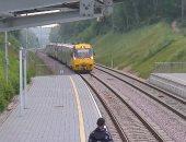 ألمانيا تكشف عن أول قطار آلى بالعالم بدون سائق يعمل على مسارات القطارات العادية