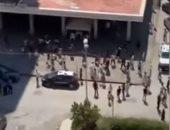 فيديو.. الشرطة الإيطالية تتصدى لمحاولة مغادرة سكان الحجر الصحى