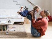 5 أنشطة ممتعة ممكن تشارك فيها أطفالك بالمنزل.. الطهى والتخييم أبرزها