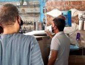 صور.. رئيس مدينة البياضية بالأقصر يتفقد المقاهى لمتابعة الالتزام بالإجراءات