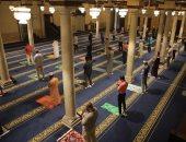 """لجنة الفتوى بـ""""البحوث الإسلامية"""" توضح حكم التباعد بين المصلين فى صفوف الصلاة"""