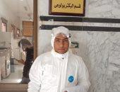 """جيشنا الأبيض..""""أحمد"""" طبيب على خط مواجهة كورونا بديوان عام وزارة الصحة"""