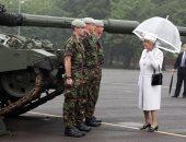 """بريطانيا تحتفل بـ""""يوم القوات المسلحة"""".. والملكة إليزابيث تهنئ الجيش برسالة خاصة"""