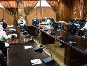 رئيس جامعة قناة السويس تؤكد على ضرورة الالتزام بالإجراءات الاحترازية