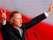 استطلاع: الرئيس البولندى دودا يتقدم بفارق طفيف فى انتخابات الرئاسة