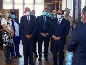 الرئيس السيسي يتفقد قصر البارون بعد افتتاحه ويستمع لشرح حول إعادة الترميم