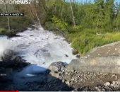 فيديو.. تسرّب نفايات من إحدى المحطات الروسية قرب مدينة نوريلسك