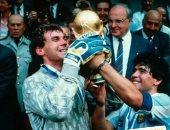 مارادونا للاعبي فريق الأرجنتين فى ذكرى الفوز بكأس العالم 1986: فخور بكم