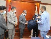 """محافظ سوهاج يشهد توقيع بروتوكول بين مديرية القوى العاملة و""""مياه الشرب"""""""