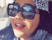 """فيديو وصور.. شيماء سيف فى جولة بسيارتها على ألحان أغنية الهضبة """"باين حبيت"""""""