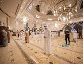 أول صلاة بعد إعادة فتح المساجد فى الإمارات.. فيديو