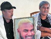 """بالصور.. يهود أثيوبيا في إسرائيل يحيون الذكرى الأولى لمقتل الشاب """"تيكا"""""""