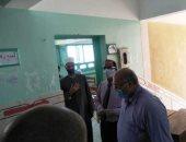 رئيس المنطقة الأزهرية بالإسكندرية يتفقد لجان امتحان الفيزياء .. صور