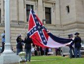 ولاية ميسيسيبى الأمريكية تزيل شعار الكونفدرالية من علمها.. رمز لحقبة العبودية