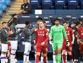 ممر شرفي للاعبو ليفربول أبطال البريميرليج قبل لقاء مانشستر سيتي