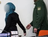 """محاكمة سيدة ألمانية كونت """"شبكة الأخوات"""" لجلب نساء لداعش"""