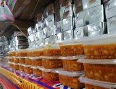 مطبخ الخير الكبير.. 650 وجبة مجانية لمصابى كورونا بالعزل والفقراء بالسويس