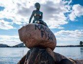 """هل العنصرية السبب؟.. تشويه تمثال الشخصية الروائية """"حورية البحر الصغيرة"""""""
