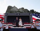 أمريكا تحتفل بعيد الاستقلال فى النصب التذكارى لرؤسائها بجبل راشمور
