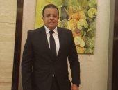 طبيب منتخب الشباب يوضح حقيقة مغادرته فندق العزل بعد العودة من تونس