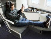 تصميم جديد لمقاعد الطائرات لتطبيق التباعد الاجتماعى .. نام براحتك