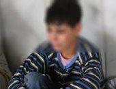 مفاجأة صادمة.. والدة الطفل السورى: مغتصبو ابنى أقارب لنا وهربوا بعد فضح أمرهم