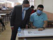 رئيس جامعة بنها يتفقد امتحانات هندسة بشبرا ويفتتح متحف علوم قسم المساحة