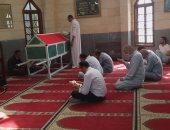 فتوى اليوم.. دخلت المسجد فوجدت صلاة جنازة ولا أعلم رجل أم امرأة فهل تصح صلاتى