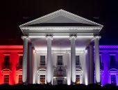 البيت الأبيض يتزين بألوان العلم الأمريكى للاحتفال بعيد الاستقلال