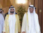 حاكم دبي يمدح محمد بن زايد: مـا يهابْ ولـوُ نزَفْ دَمٍّ وريدِهْ