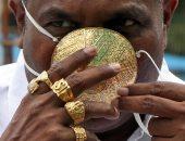 بيدلع نفسه.. رجل أعمال هندى يمتلك كمامة بـ4 آلاف دولار للوقاية من كورونا