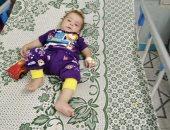 العثور على طفل خطفته سيده لتتسول به فى الفيوم والمحافظ يوجه بالعناية به