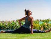 ياسمين صبرى تستعرض لياقتها البدنية فى حديقة منزلها بصورة جديدة