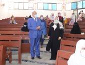 رئيس جامعة الأزهر يتفقد لجان امتحانات الصيدلة بنين وبنات بمدينة نصر