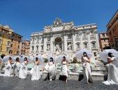 عرائس يتظاهرن فى روما احتجاجا على تأجيل حفلات الزفاف بسبب كورونا.. صور