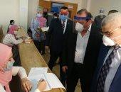 رئيس جامعة طنطا يتفقد سير الامتحانات النهائية بكلية الآداب