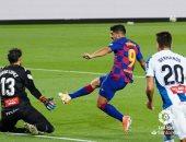 برشلونة يطيح بإسبانيول للمظاليم ويضيق الخناق على ريال مدريد فى صراع الليجا
