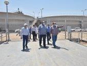 محافظ أسيوط يتفقد محطة مياه ديروط المرشحة بقرية شلش ومشروع الصرف
