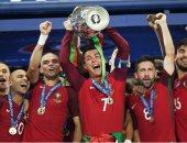 رونالدو يحتفل بمرور 4 سنوات على أفضل لحظات حياته مع كرة القدم.. صور