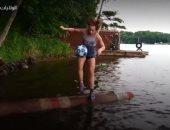 """فيديو.. فتاة بعمر 12 عاما بطلة العالم فى رياضة """"الدحرجة على جذوع الأشجار"""""""