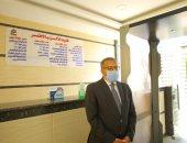صور.. رئيس جامعة الأقصر يتابع تطبيق الإجراءات الاحترازية أثناء سير الامتحانات